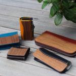 木とレザーを組み合わせた財布/小物