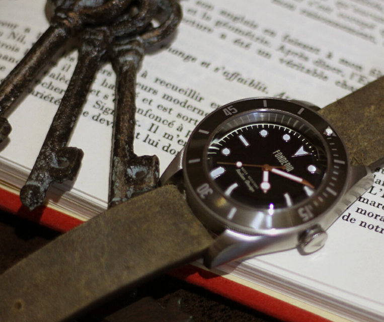 ビンテージレザーベルトの腕時計