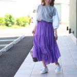 2018トレンドのカラースカートを使った春夏コーデ