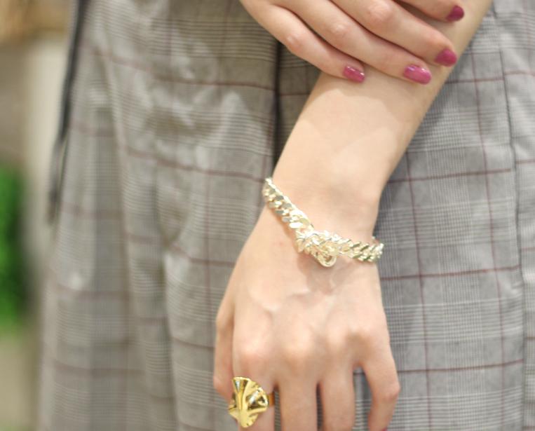 Sea'ds mara / シーズマーラのTie Chain Bracelet