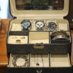 【腕時計収納付きアクセサリーボックスを探している男性必見!!】