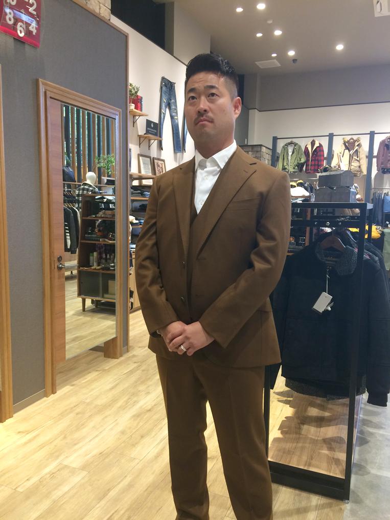 ブラウンのオーダースーツ