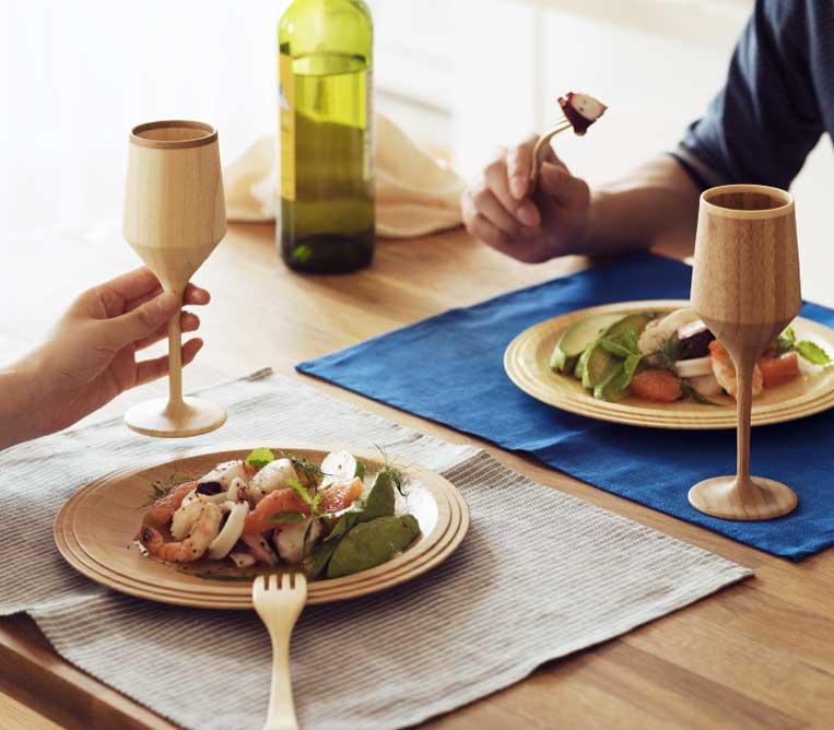 RIVERET / リベレットのテーブルウェアを使った食事風景