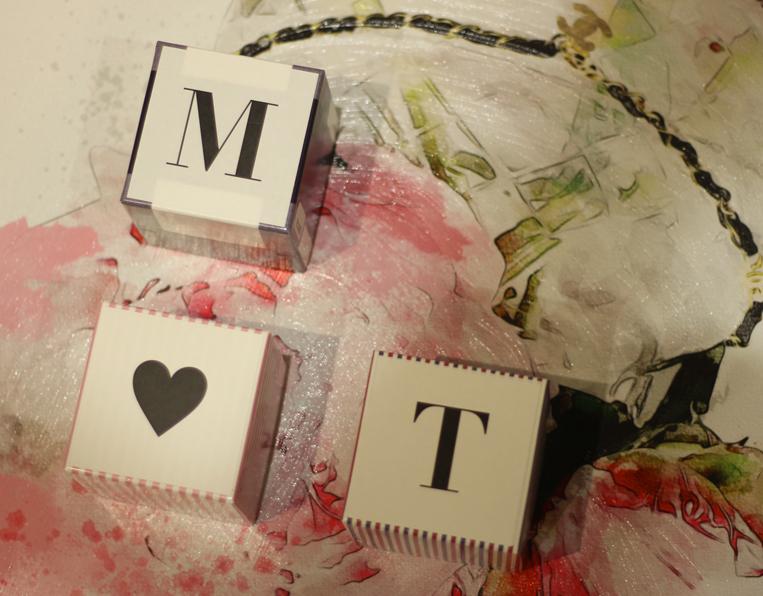 MとTとハートのイニシャルハンカチ