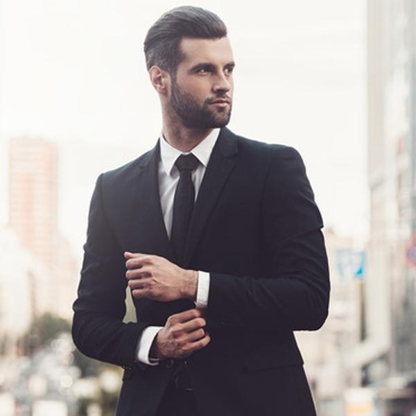 CANONICO/カノニコのスーツを着た外国人男性
