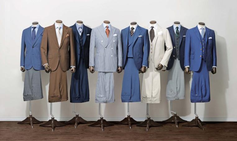 並べられたCANONICOのスーツ