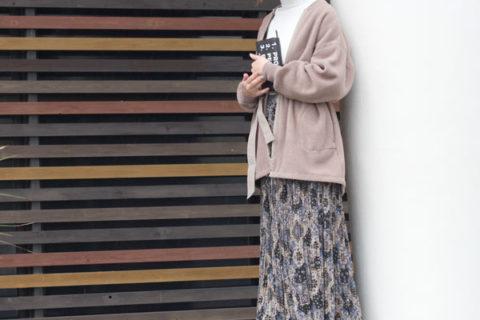 フリースジャケットを着た女性