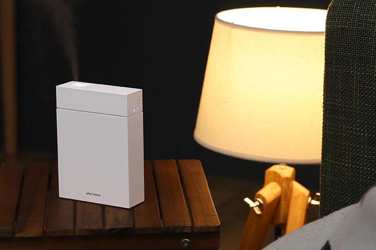 コンパクトなサイズのアロマ加湿器