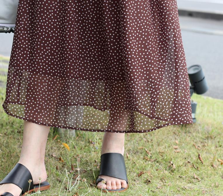 裾が透けたドット柄スカート