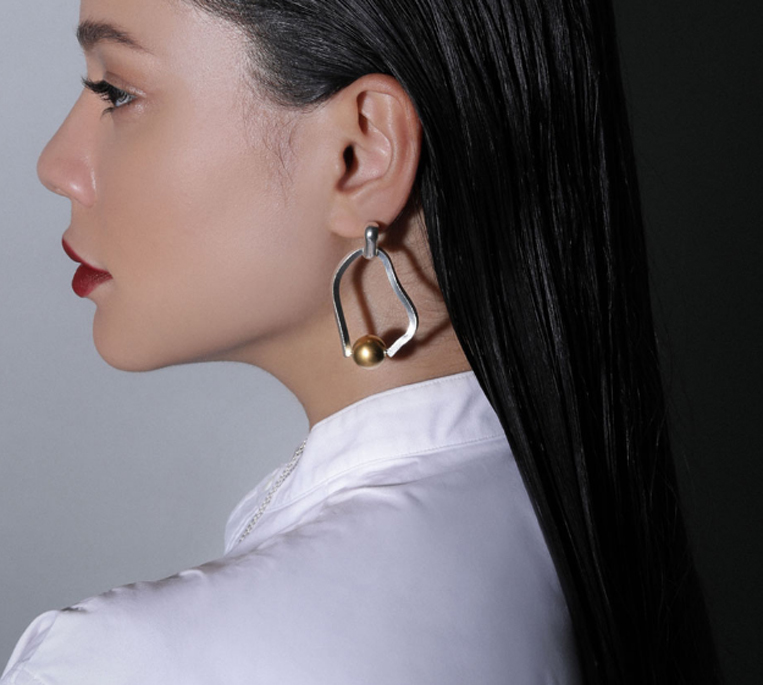 Sea'ds mara/シーズマーラのMeander symmetry pierce・earring