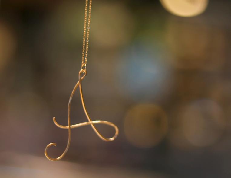 「A」のイニシャルネックレス