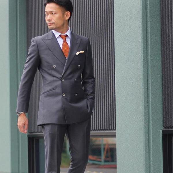 ゼニアのオーダースーツを着た男性